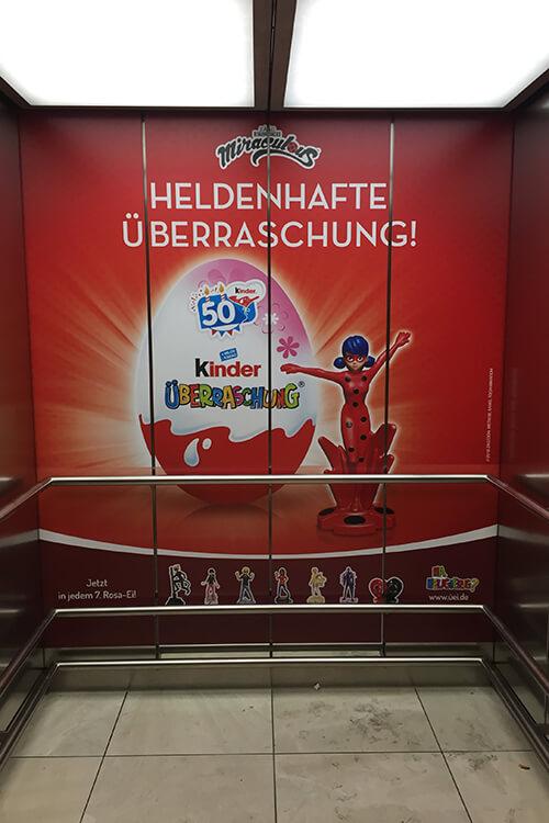 Aufzüge Beschriftung und Beklebung - Designcon Stuttgart